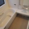 足を伸ばして浸かれる浴槽で、全身あったか気持ちいい♪in佐野市